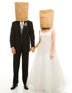 wedding-couple-bag-heads-de